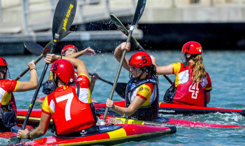 Jugadoras del Club Alaquàs Kayak Polo y Club Picassent Kayak Polo, a la concentración nacional absoluta en Madrid