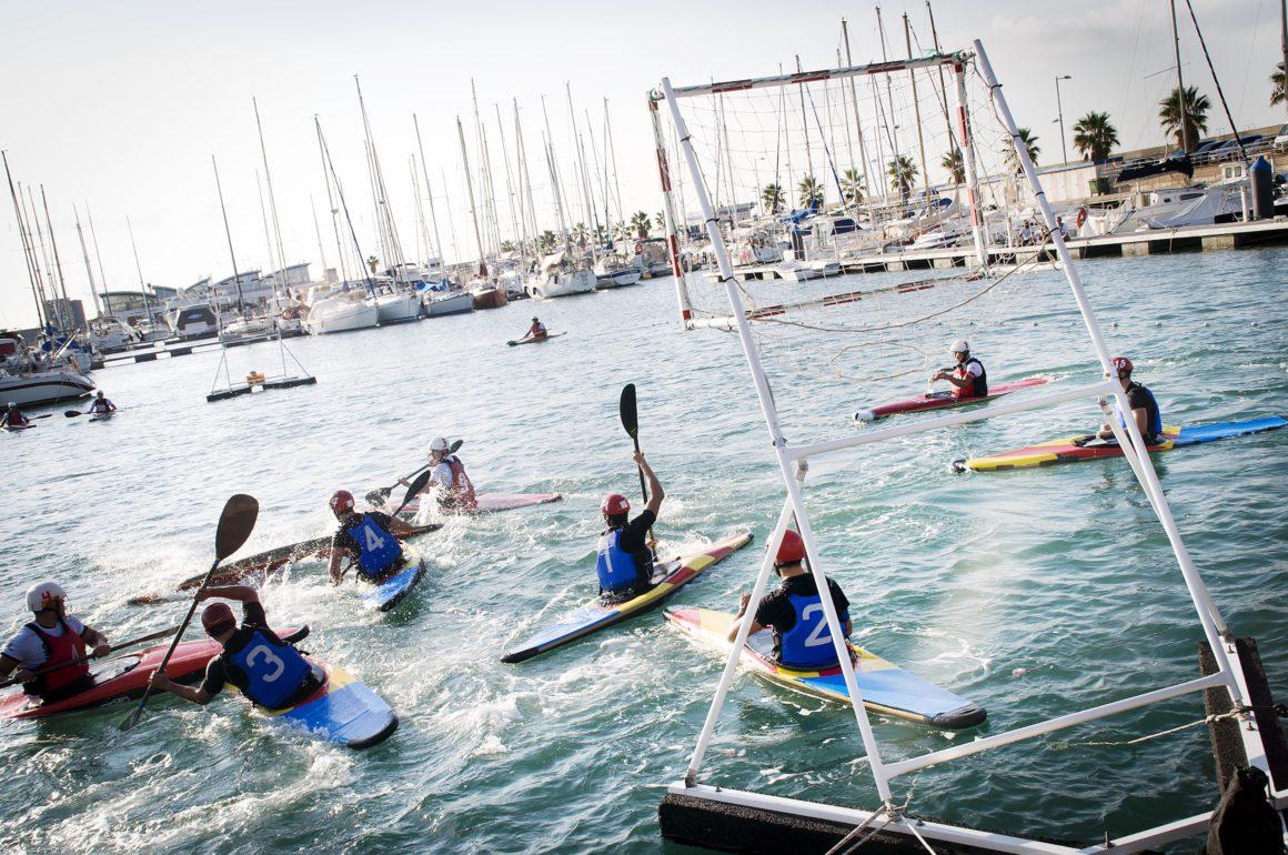 El Real Club Náutico de Castellón acoge la primera concentración autonómica en categoría sénior masculina de kayak polo