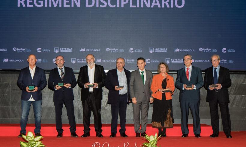 El presidente Juan Antonio Cinto, galardonado por haber formado parte del Comité Nacional de Competición y del Comité de Régimen Disciplinario