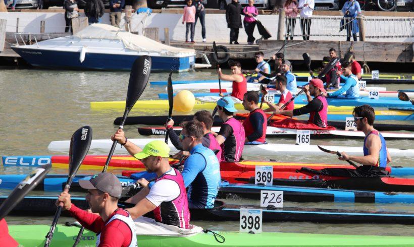 El Club Piragüisme Cullera, en la general, y la AD Scooter Algemesí, en veteranos, lideran la segunda jornada de la Liga de Invierno de aguas tranquilas en Cullera