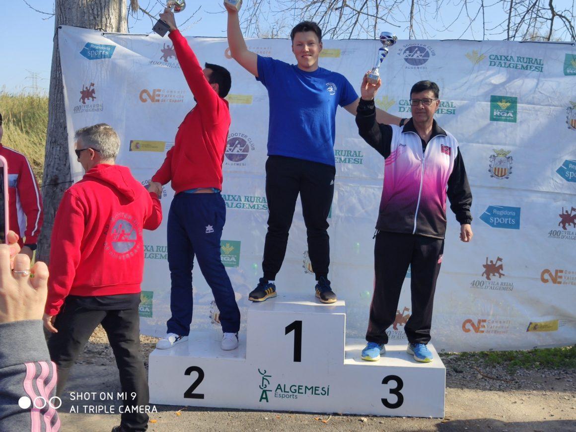 El Club Piragüismo Silla lidera el medallero en la primera prueba de la Liga de Invierno de aguas tranquilas en Algemesí