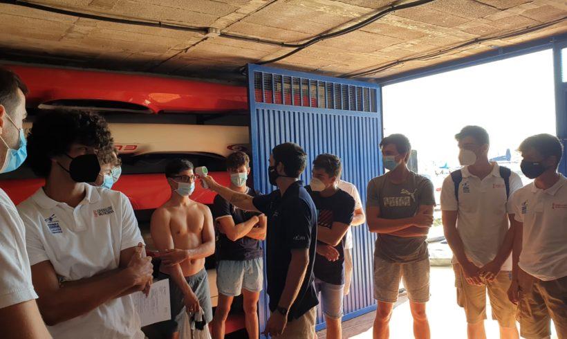 El equipo masculino sub-21 de kayak polo vuelve al trabajo en el Real Club Náutico de Castellón