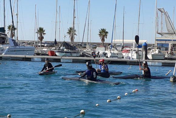 Nueva concentración de la selección femenina de kayak polo de la Comunitat Valenciana en la Marina Burriananova